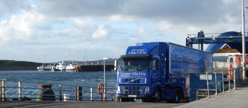 Screen Machine arriving on Flotta